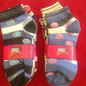 4 Bundles of 3 Pairs of Children's Socks Size 9-11